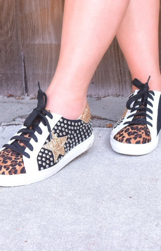 Not Important Studded Star Sneakers - Black