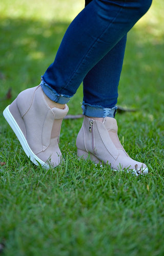 Own The Moment Wedge Sneakers - Blush