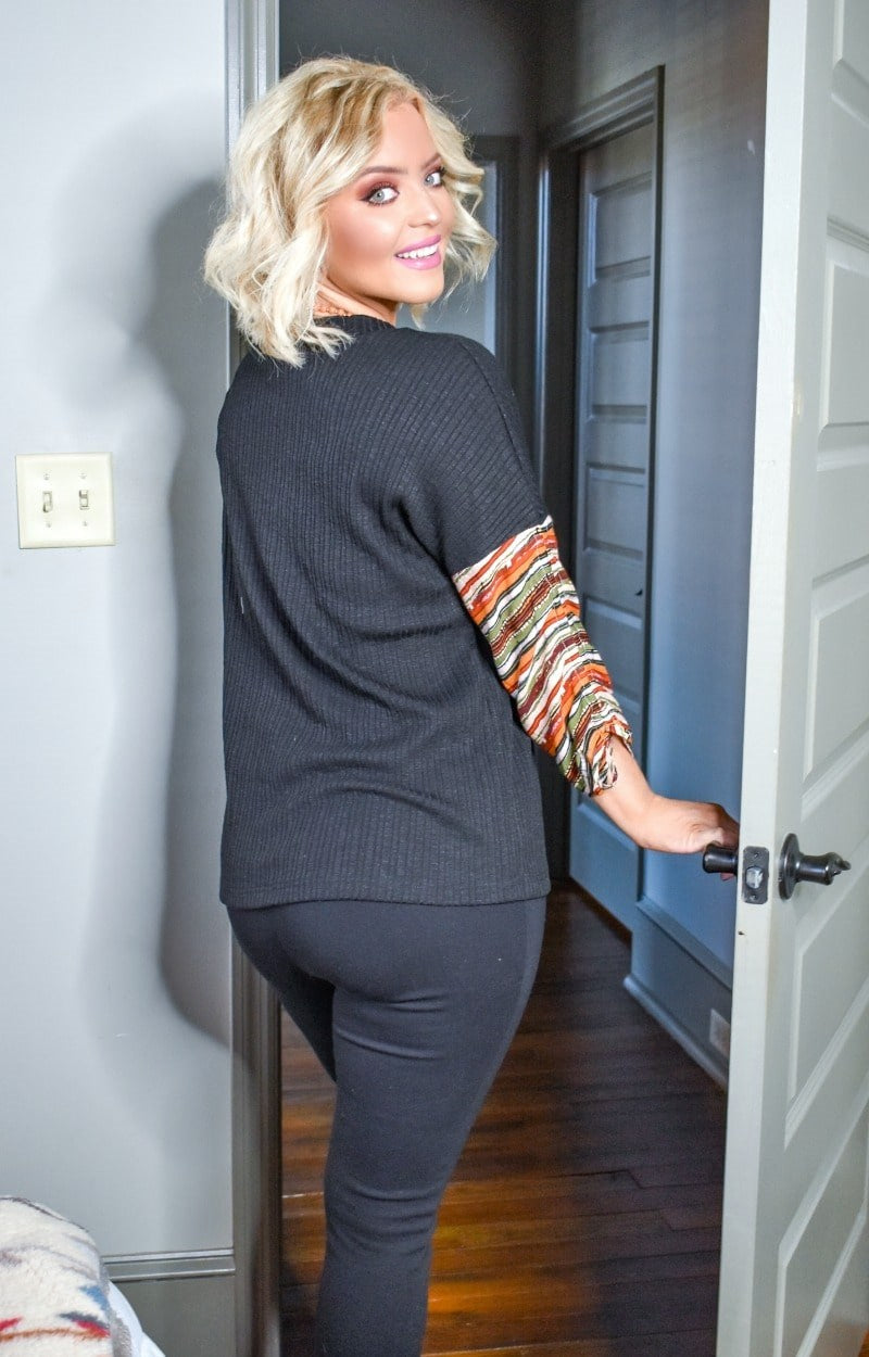Load image into Gallery viewer, Well Versed Print Sweater - Black