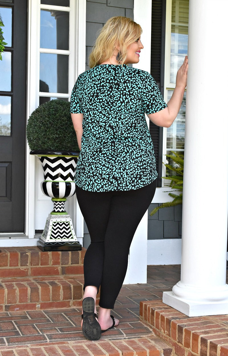 Load image into Gallery viewer, City Chic Leopard Print Top - Black/Mint