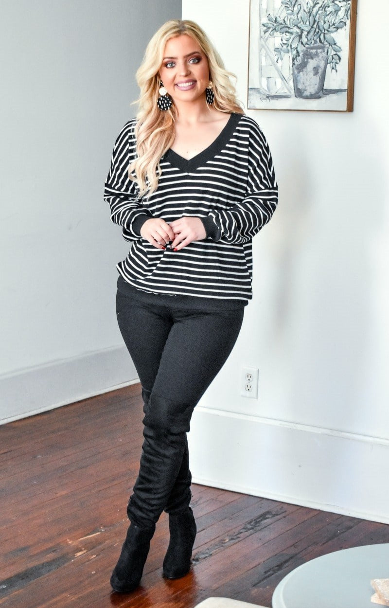 Load image into Gallery viewer, One For Me Striped Sweater - Black/White