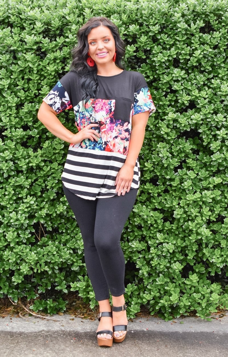 Load image into Gallery viewer, Garden Club Print Top - Black