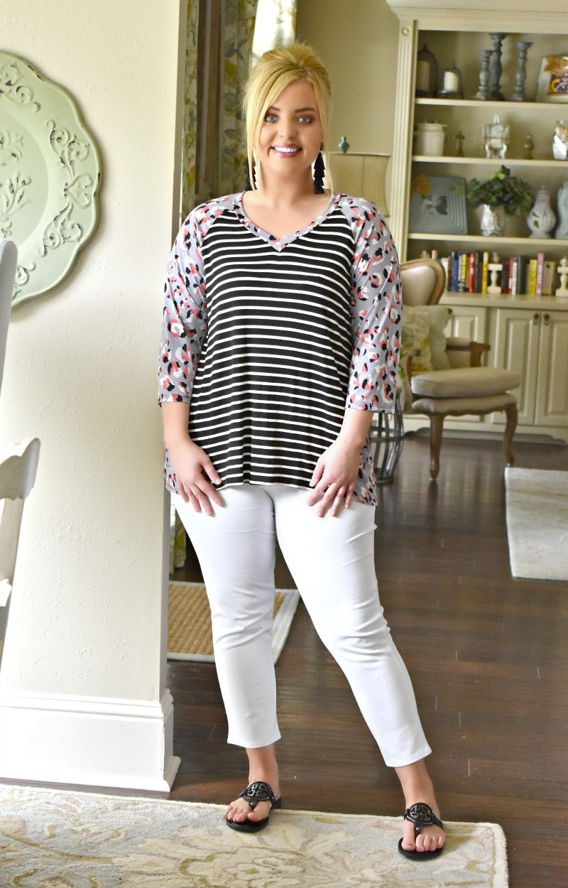 Soft Whispers Print Top - Black/Lavender
