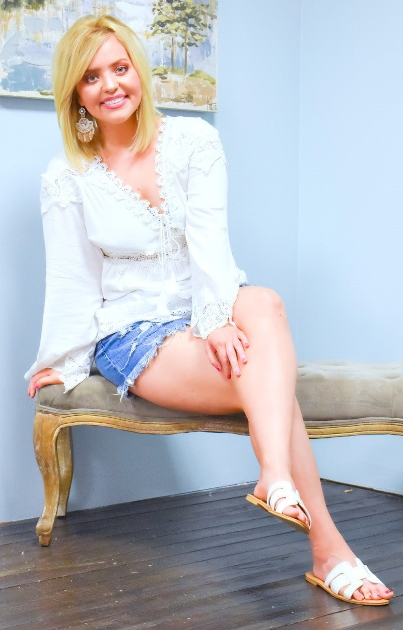 Load image into Gallery viewer, Back In Town Lace Top - Ivory