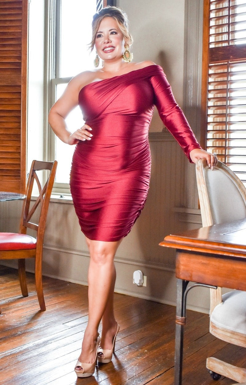 Steal The Spotlight Dress - Burgundy
