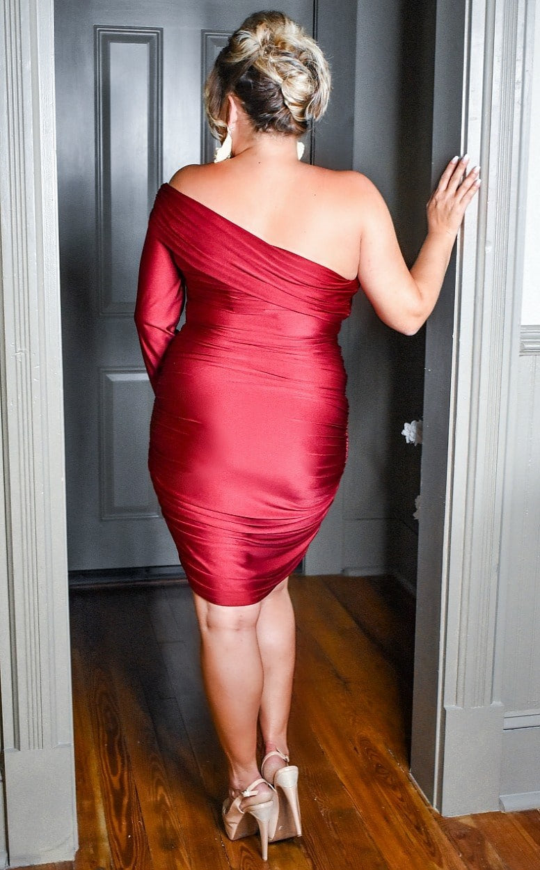 Load image into Gallery viewer, Steal The Spotlight Dress - Burgundy