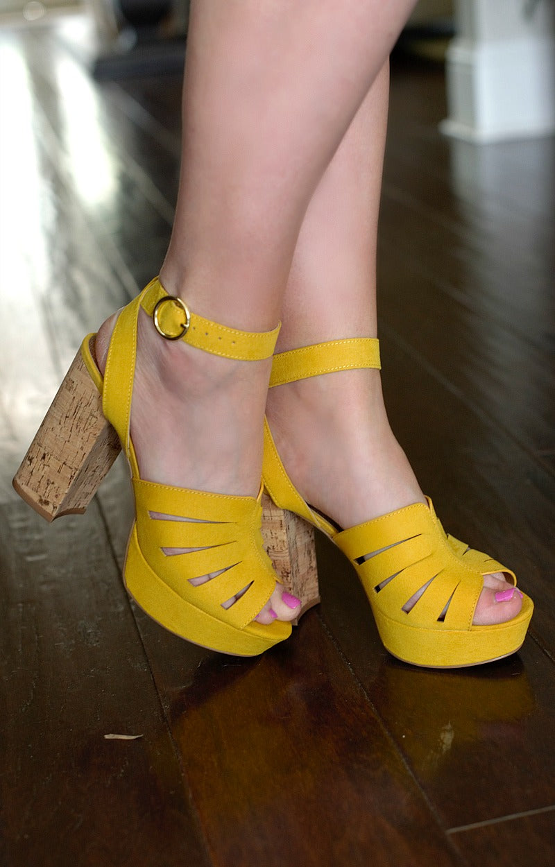 Load image into Gallery viewer, One Above Heels - Yellow