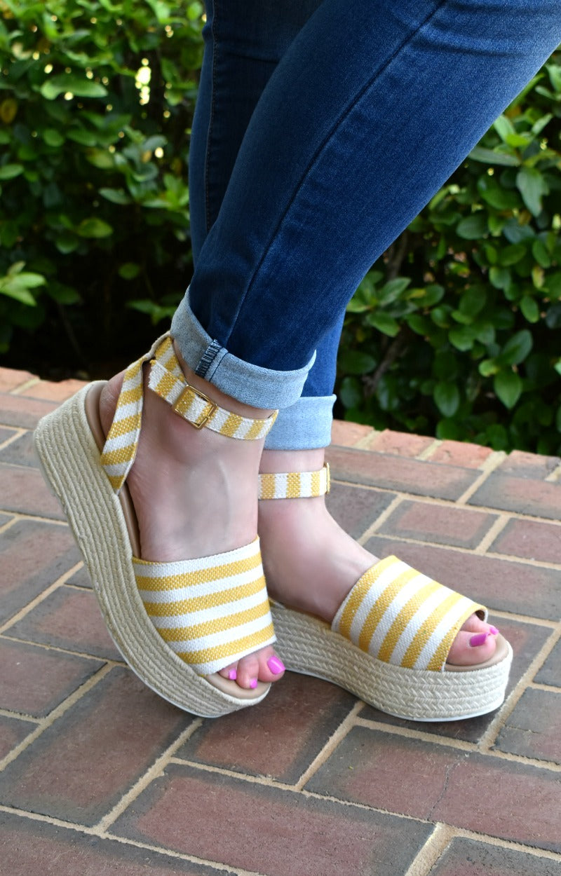 Load image into Gallery viewer, It's All Good Wedges - Yellow/Beige