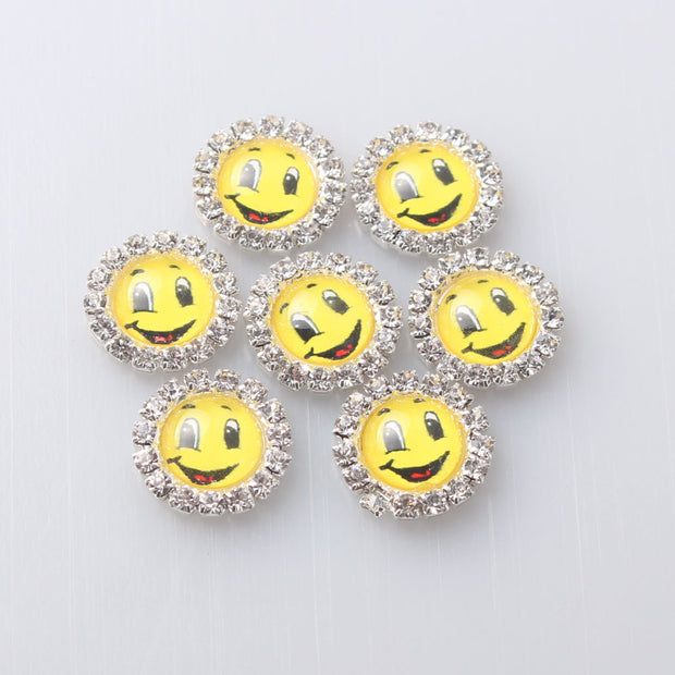 2018 Top Fashion Promotion 16mm Smiling Face Round Flatback Cartoon Diy Hair Interspersed Button Shiny Wedding Accessories