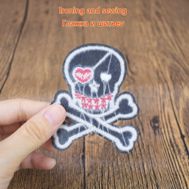 5 PCS Funny Buccaneer Skull Badge Patch For Sweater Iron Applique Punk Motorcycle Clothes Sew Accessorie Embroidery Patches