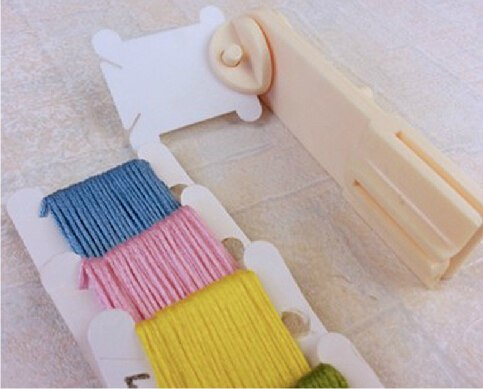 FREE Shipping Plastic Reel Winder Bobbin Winder, DIY Cross Stitch Floss Thread Reel Winder Tools Accessories