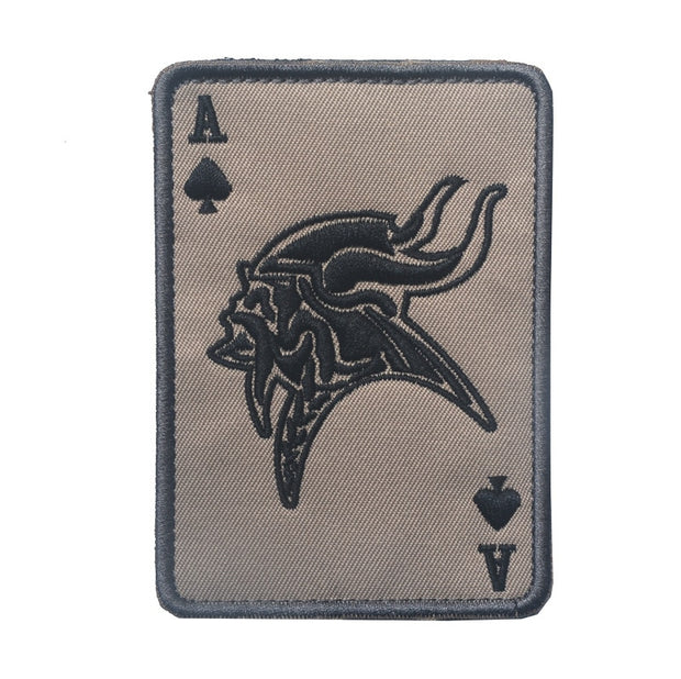 GUGUTREE Embroidery HOOK&LOOP Poker Patches Viking Vendetta Patches Badges Applique Patches For Clothing AD-233