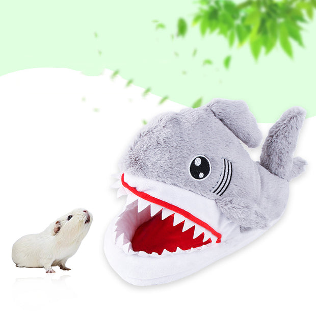 Lovely Cartoon Warm Flannel Guinea Pig Hamster Shark Shaped Hamster House Bed Nest Small Pet Nest Supplies