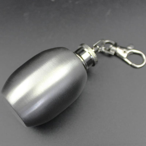 Portable 2oz Mini Stainless Steel Hip Flask Alcohol Flagon With Keychain Mini For Drinker Supplies Accessories
