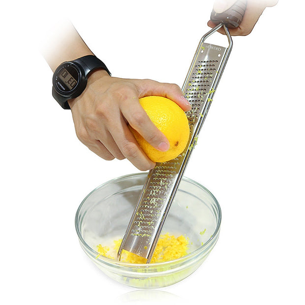 Stainless Steel Lemon Zester,Cheese And Spice Grater Bonus Brush Nutmeg Spices-Sharp With Non-slip Handle