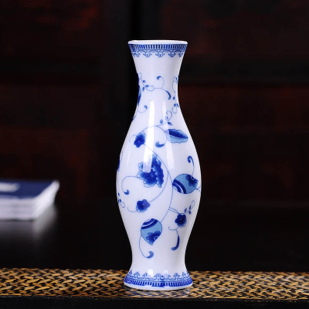 YeFine Classic Ceramic Vases For Flowers Exquisite Home Decor Small Flower Vase For Living Room Tabletop Ornaments Crafts