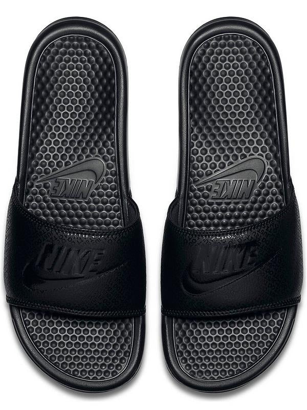 Nike Bennassi Pool Slides