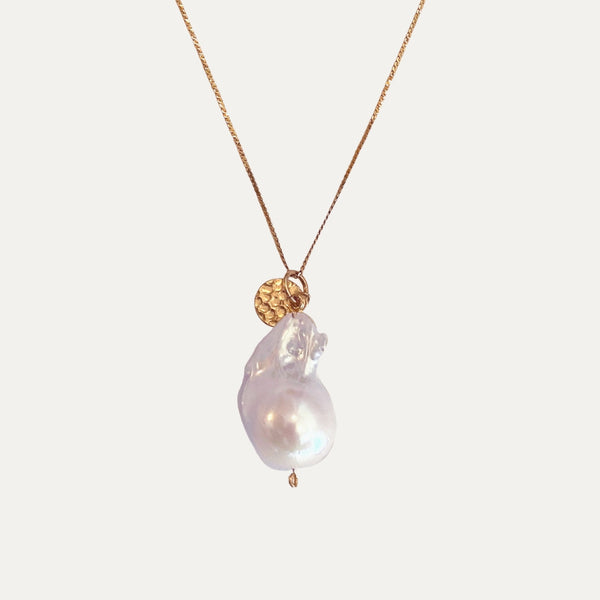 Gold pearl necklace | Monform Jewellery