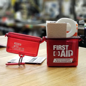ADVENTURE 1ST AID WATER RESISTANT KIT