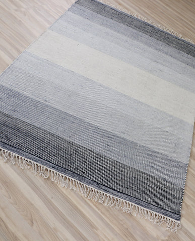 Veeraa Ombre Charcoal Hand Woven Wool Multicolour Rug
