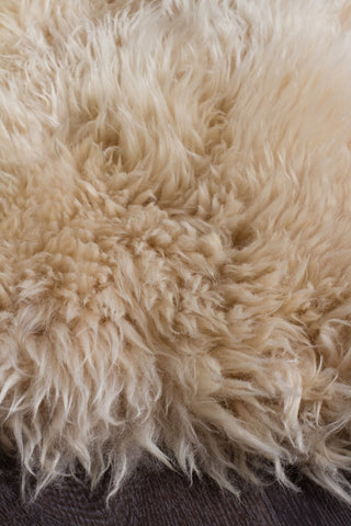 Kia New Zealand Champagne Sheep Skin Rug