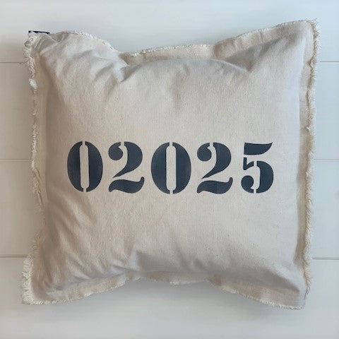 02025 Square Pillow