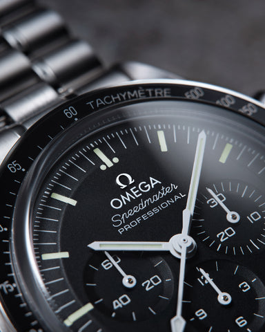 Omega speedmaster moonwatch collection chronometer dial