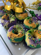 Load image into Gallery viewer, MARDI GRAS KING CAKE