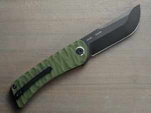Tikuna with black blade and green handle