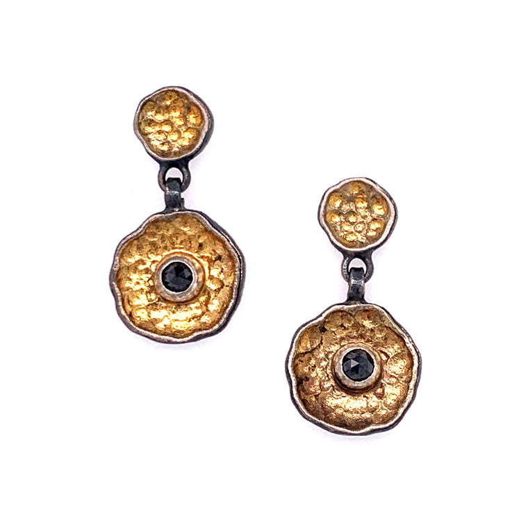 Yellow gold drop earrings with black diamonds | Eva Stone
