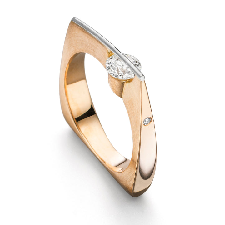 LIBERTÉ Asymmetrical Diamond Ring