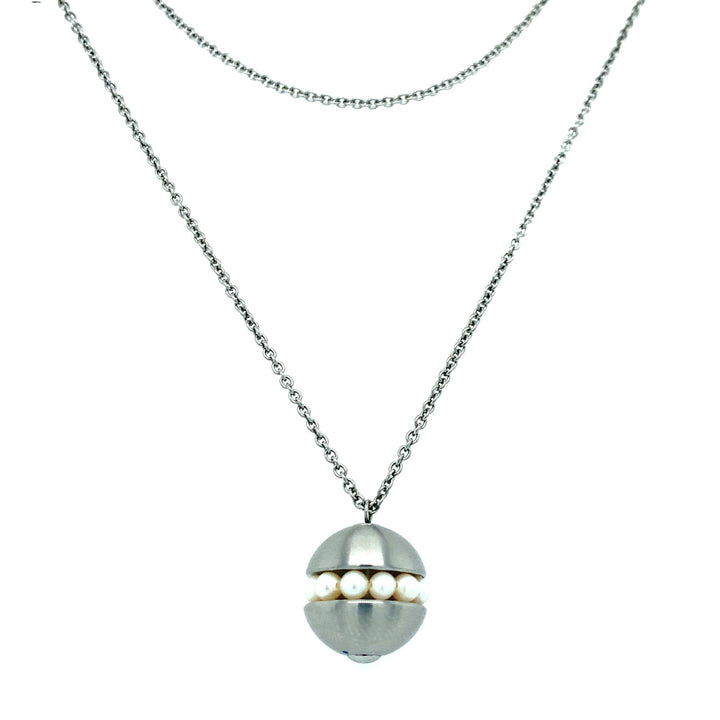 "Stainless Steel ""Rattle"" Pearl Necklace"