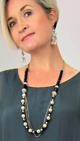 Elegant Italian Vintage Pearl And Black Crystal Necklace