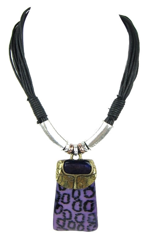 fashion necklace, purple pendant, silver plaited componentry, fashion jewellery, Immitation jewellery