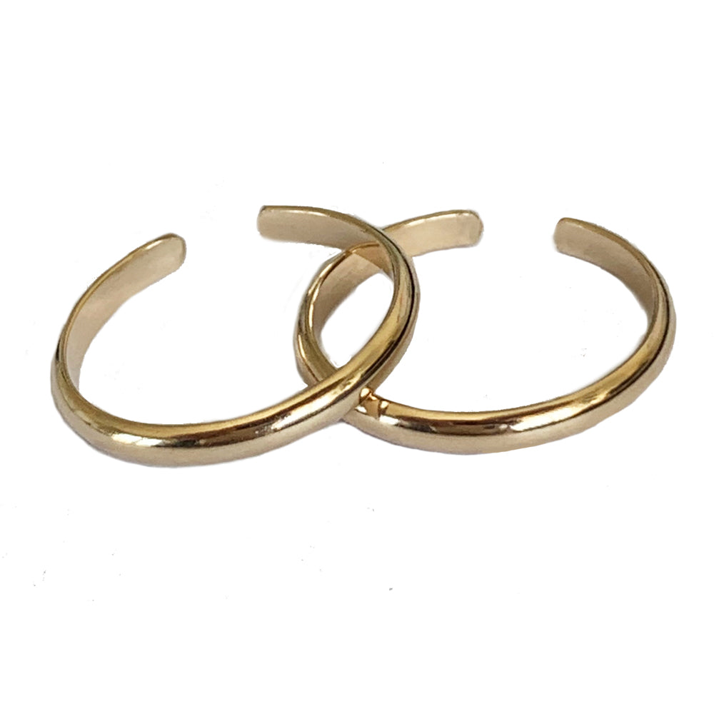 A pair of 2mm Gold Fill Adjustable Toe Rings