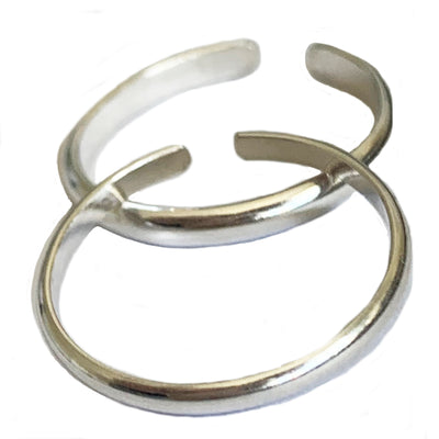 A pair of 2mm Sterling Adjustable Toe Rings