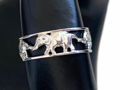 Elephant Silver Toe Ring on Model