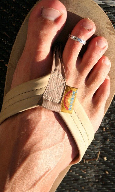 Braid Brawny Sterling Toe Ring shown on a foot