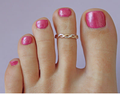 Braid Twine Medley Sterling & Gold Fill Toe Ring shown on a pedicured foot