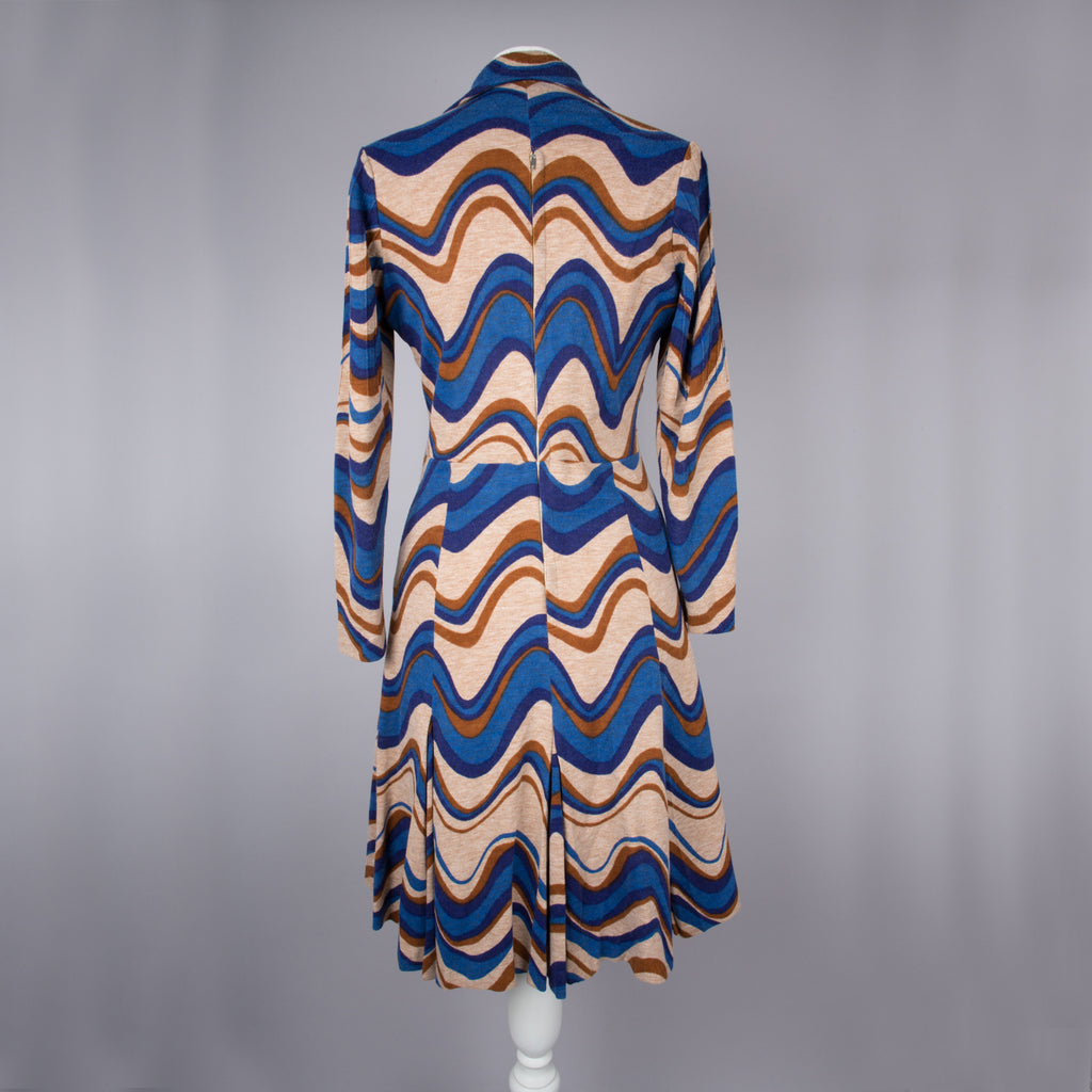 1970s wave print vintage day dress