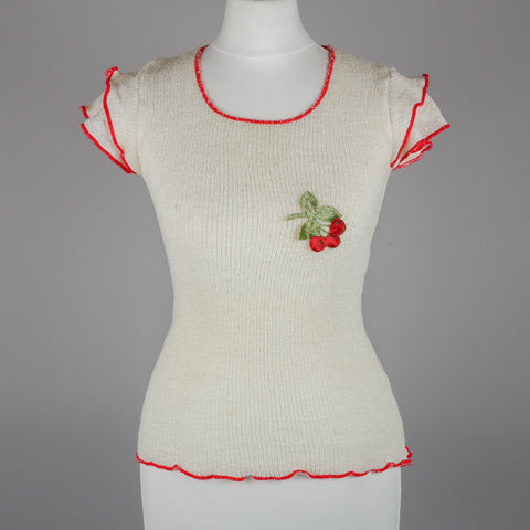 1970s cherry motif knitted vintage top
