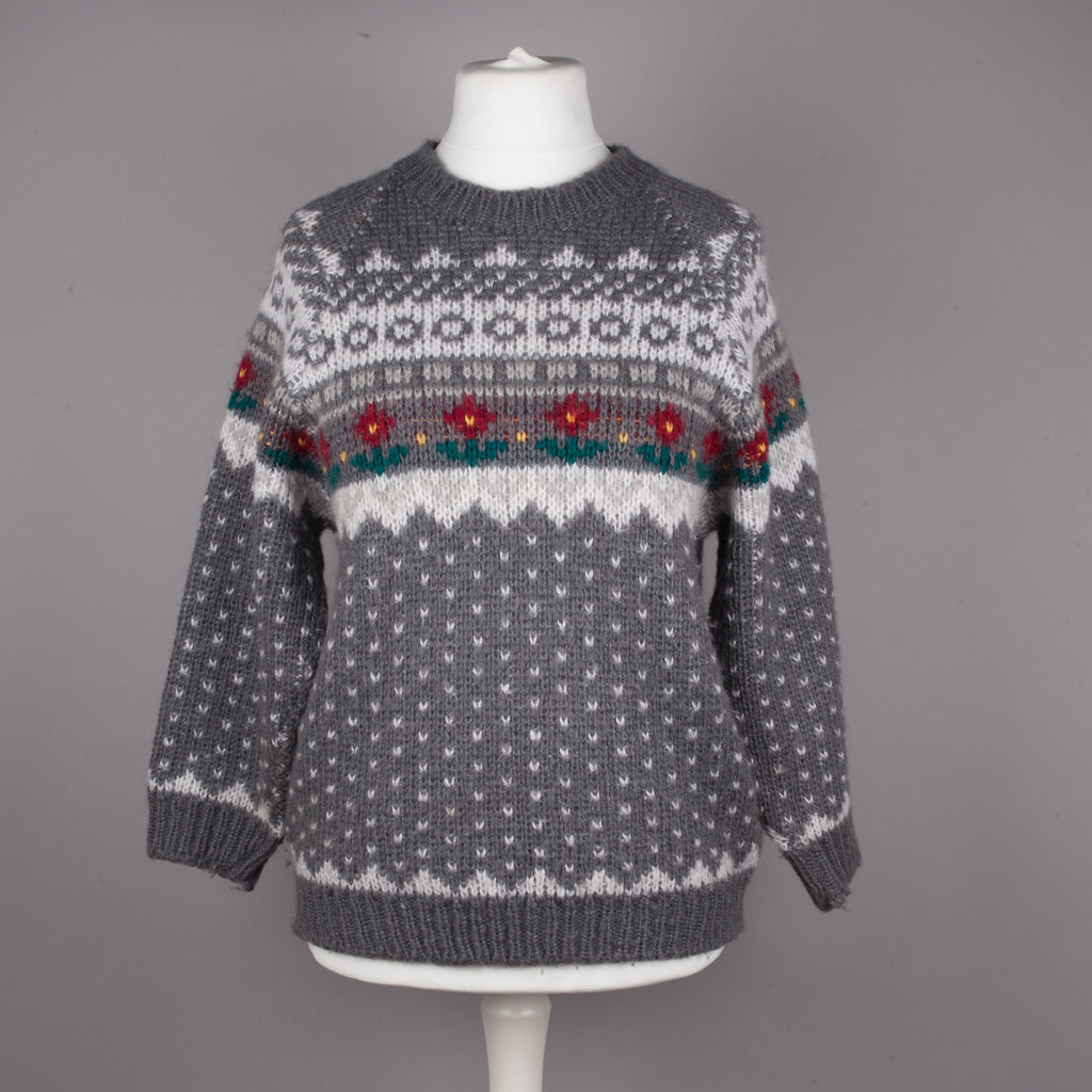 Grey Icelandic design vintage sweater