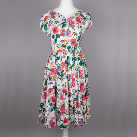 1950s floral seersucker vintage dress