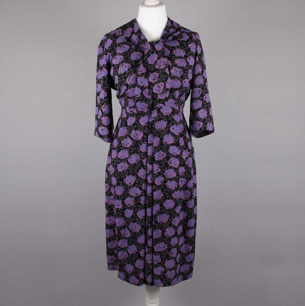 1950s purple roses print vintage dress