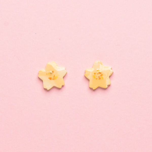 milki.sg Eternal Bloom Custard Studs (Sakura)