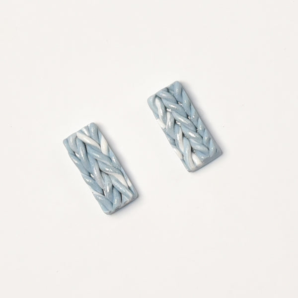 milki.sg Knitted December White Christmas Studs (Bar)