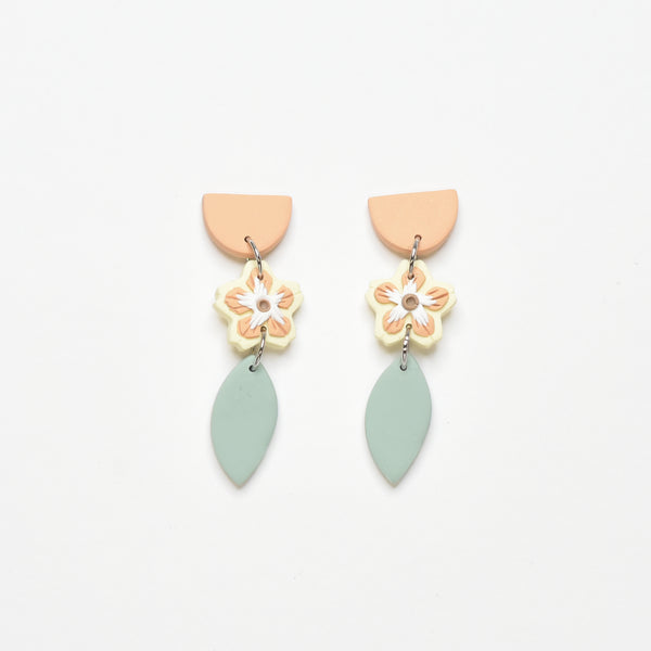 milki.sg Madeleine Yellow Dangles (Leaf)