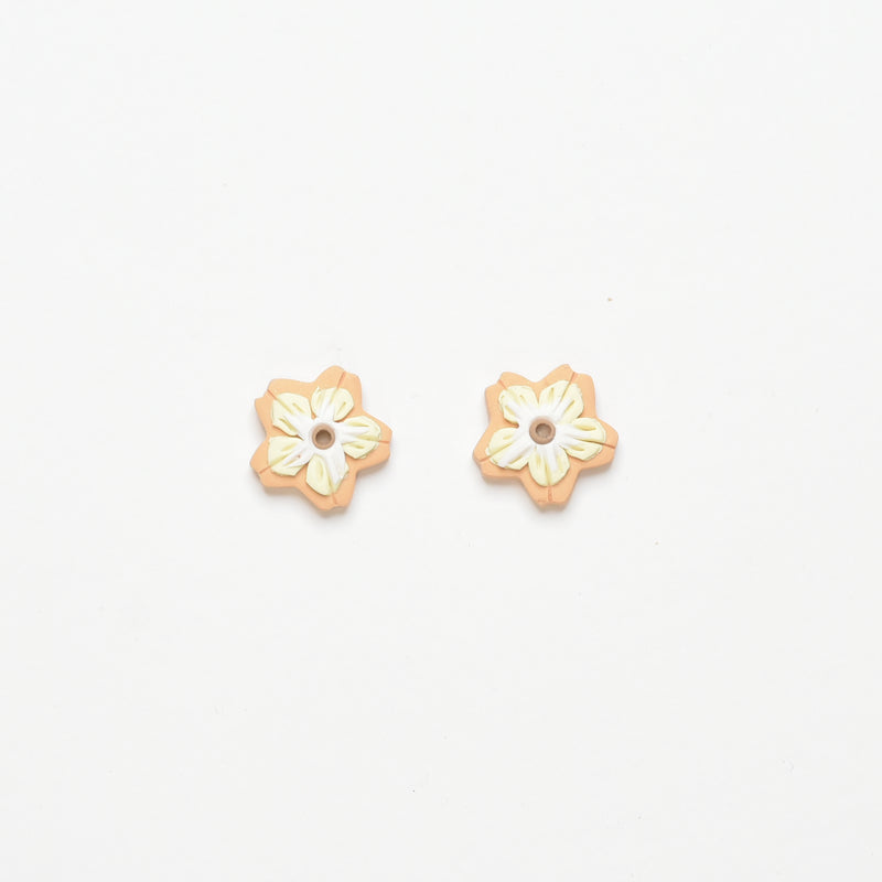 milki.sg Madeleine Orange Studs (Flower)