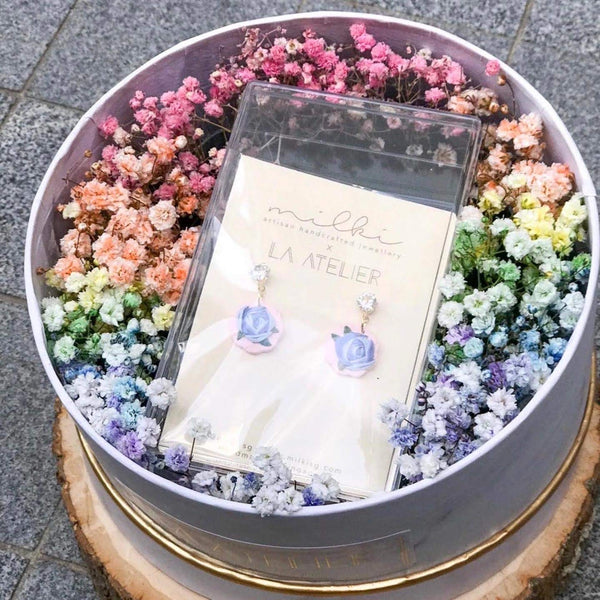 milki.sg Rainbow Fleur Gifts in Box — Morning Dew Blooms Studs (Dia)