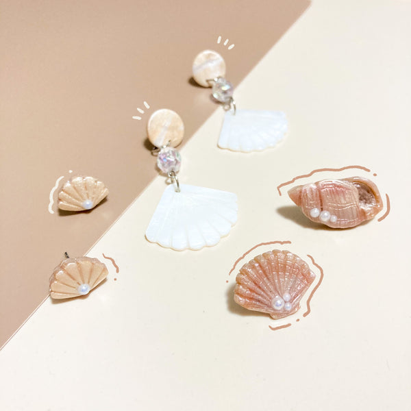 Shells & Pearls Studs (Mismatch)